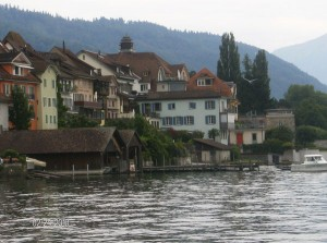 Zug, the picture that Vicky tweeted us and where you can see the bottom of the lake the water is so clear